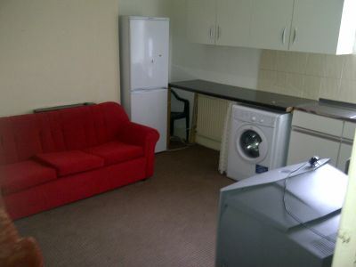 Next Location is pleased to present 2 bedrooms flat in Edmonton.