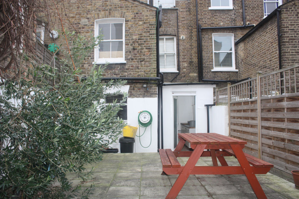 Spacious one bedroom flat with garden Stoke Newington N16.