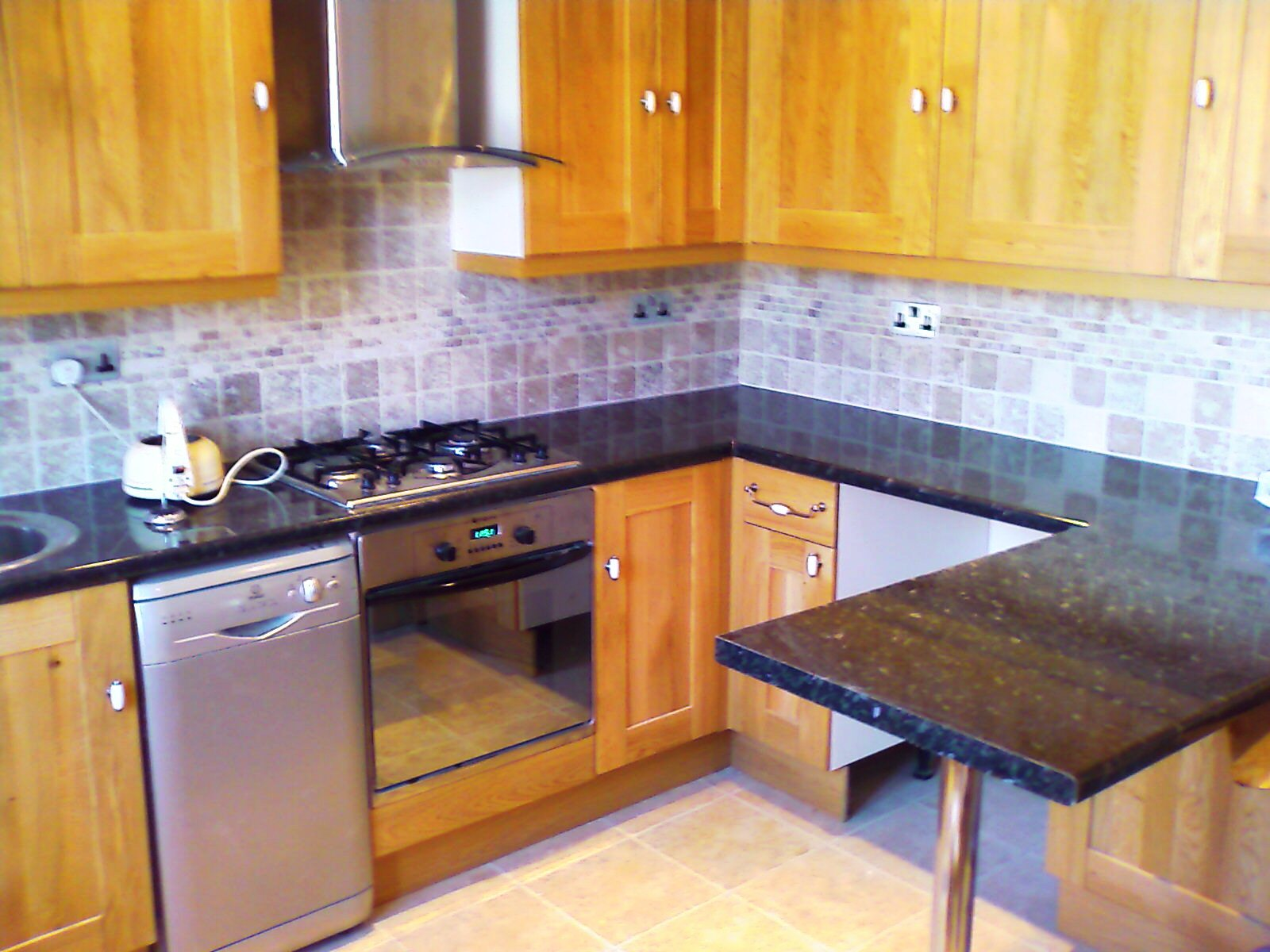 Spacious 2 bed flat in Blackhorse Rd E17.
