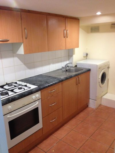 Modern one double bedroom flat available to rent in Stamford Hill, N16.