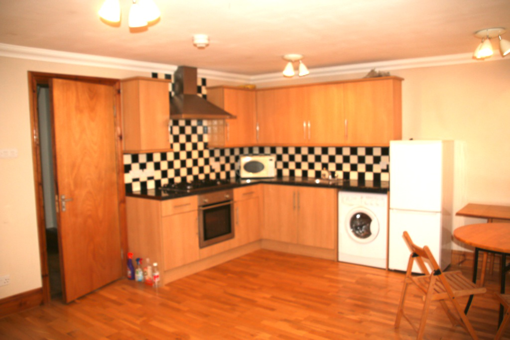 LOVELY 2 BED FLAT WITH PRIVATE GARDEN BASED IN STOKE NEWINGTON