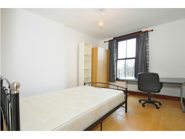 STUNNING 2BED FLAT WITH LOVELY DECOR