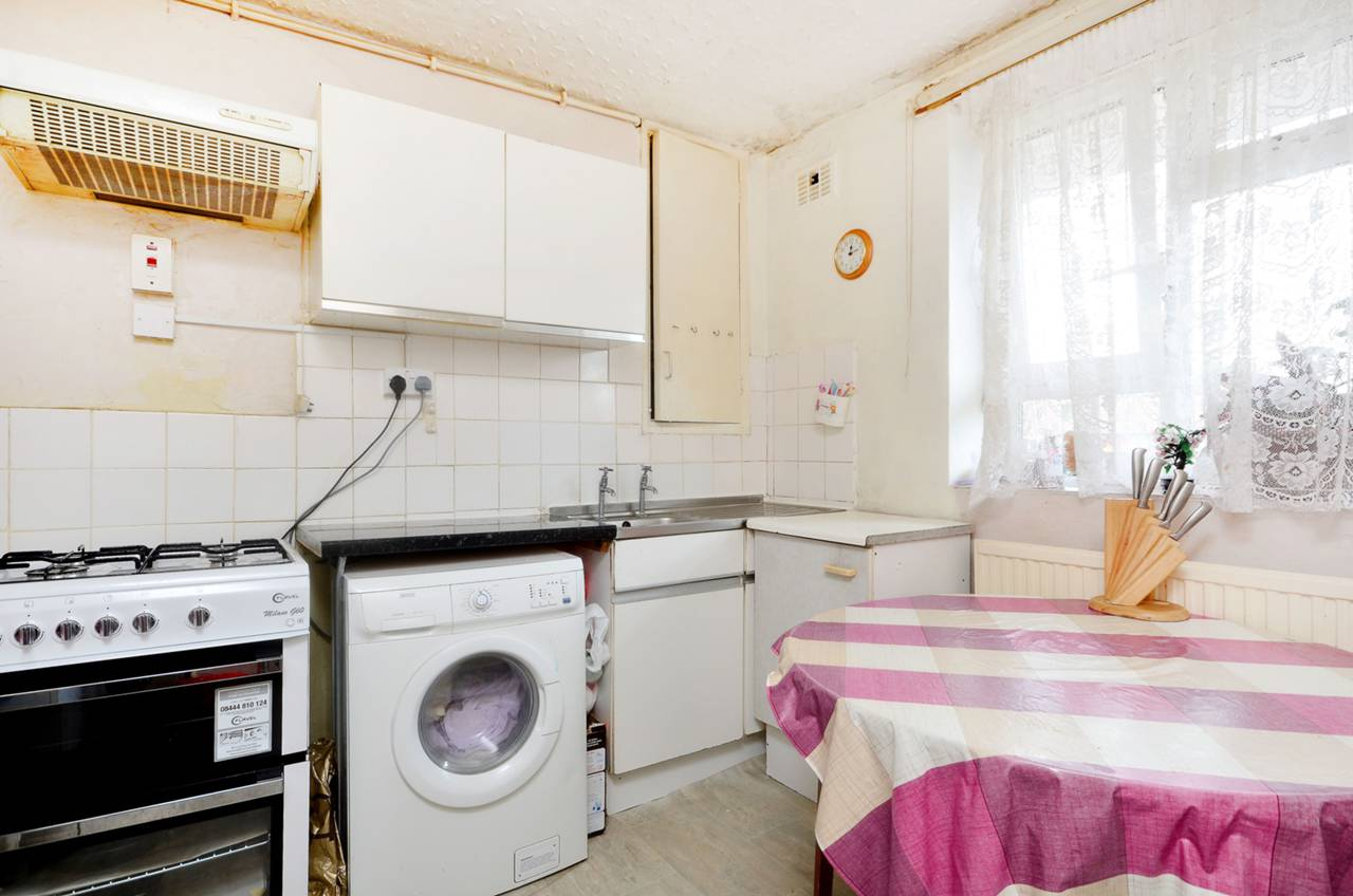 Well located 2Bed flat with private balcony