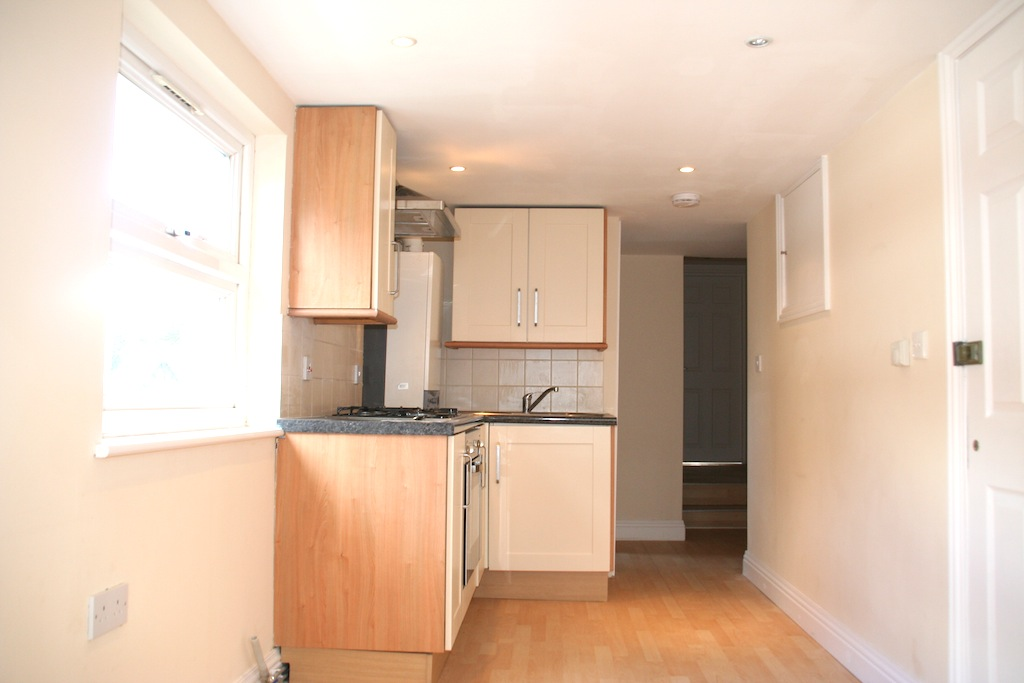 Well located two bedroom flat in Turnpike Lane N15.