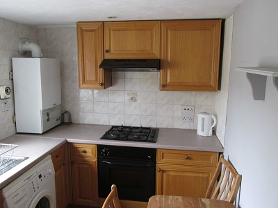 Well located three bedroom flat Stoke Newington N16.
