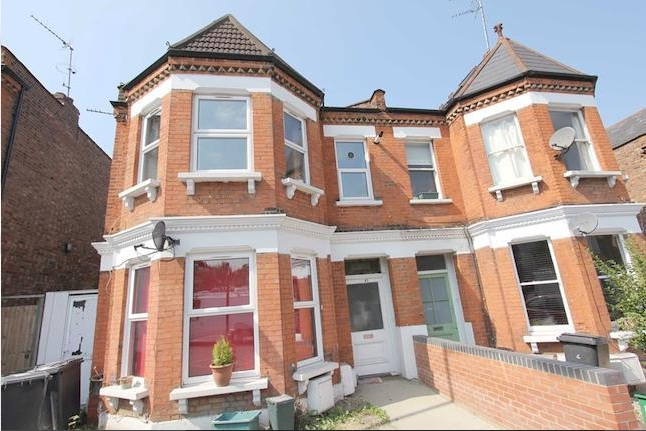 3 Bed Colney Hatch Lane heart of Muswell Hill