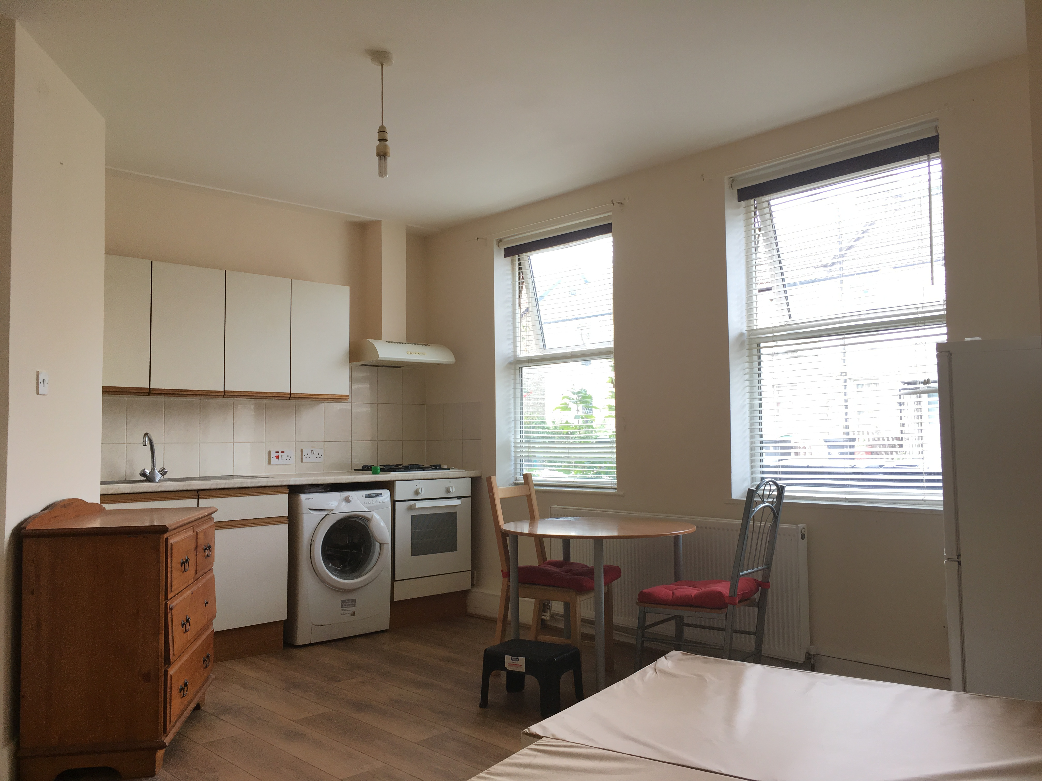 Lovely studio flat to let located near Seven Sister Station, London N15.