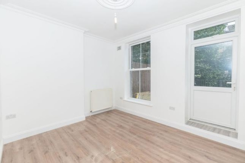 Bills included 2 bedroom Flat in Stoke Newington N16.