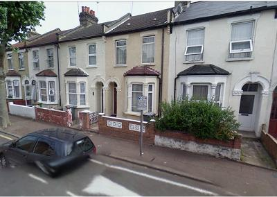 Next Location is pleased to offer 4 bedroom property with garden in East Ham, Newham.