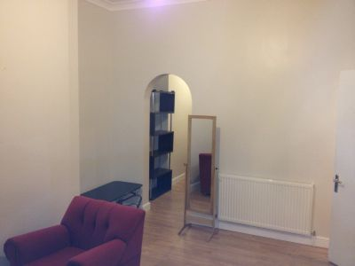 Next Location is delighted to present this 1 master bedroom flat with separate siting room in Hornsey, N7.