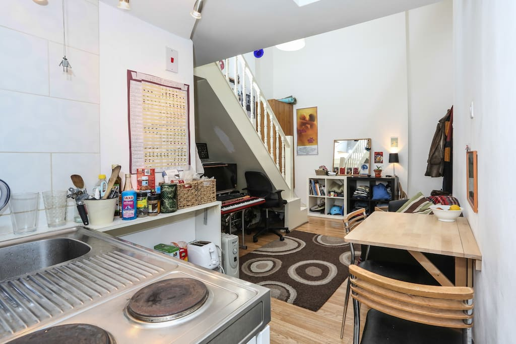 Spacious self-contained maisonnette studio flat trendy Stoke Newington N16.