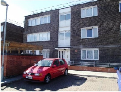 Next location is offering spacious 2 bedroom flat in White Hart Lane, N17.
