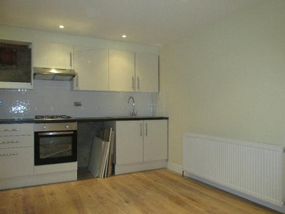 Newly refurbished stunning two bedroom flat situated Clapton N16.