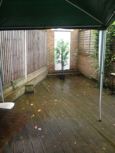 Next Location is pleased to offer 2 bedroom flat with garden. DSS welcome
