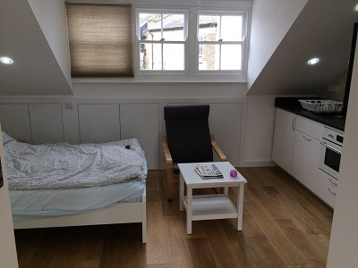 Well situated studio flat in the heart of Kensington, London W8, Bills inclusive.