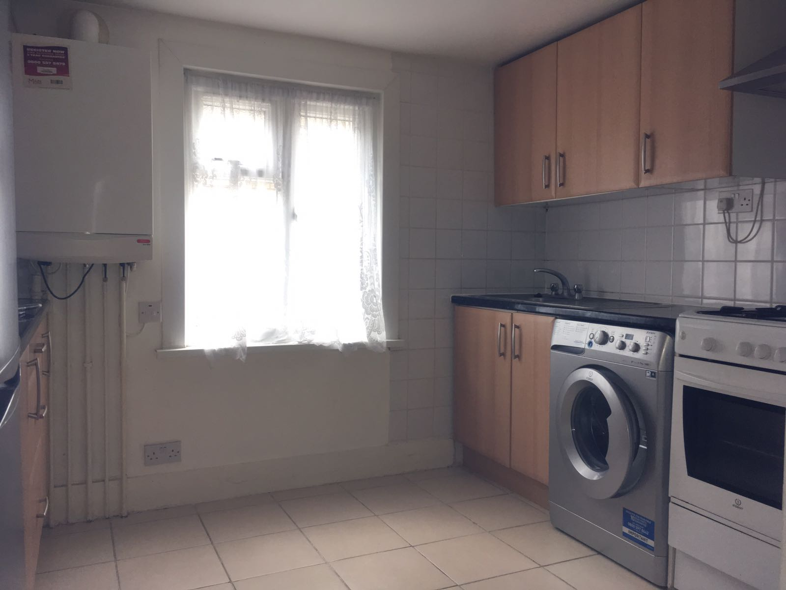Spacious two bedroom flat can be used as three bedroom flat in Tottenham N17.